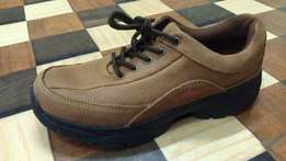 a pure leather Casual/outdoor shoe size 39