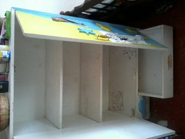 A small wardrobe in good condition for sale.Suitable for baby clothes. Kabete - image 4