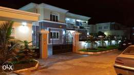 Luxury and Tastefully Finished 5 Bedrooms Duplex at King's Park Estate