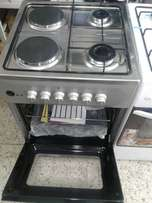 Cooker 2 gas and 2 electric for sale
