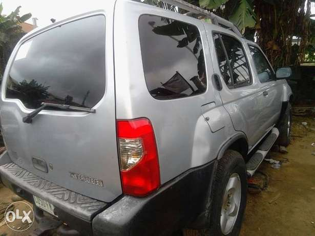 A very neat 2001 model Nissan Xtera Port Harcourt - image 4