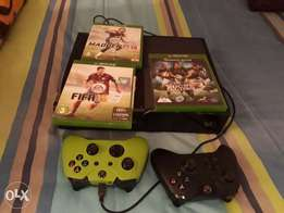 Xbox 1 for sale with 2 remotes and games