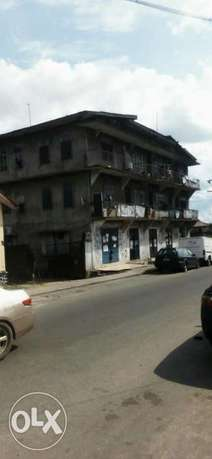 Old 2 Story building at P.H Obio/Akpor - image 1