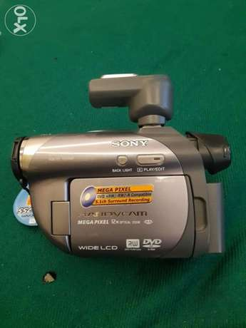 Dvd camra Sony made in Japan FHD 2 batteries New unused 500000LL