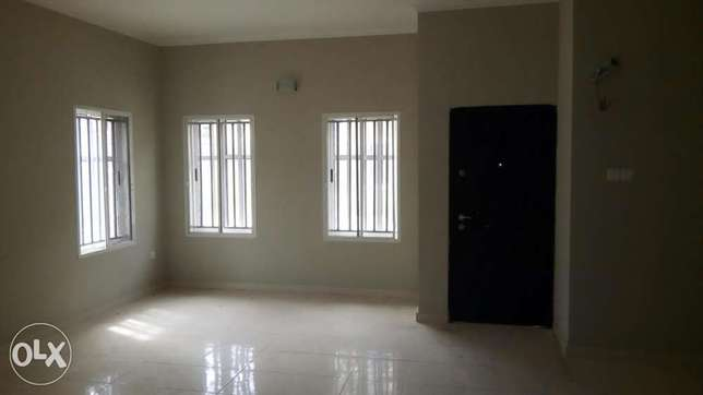 3 Bedroom Terrace with BQ(Serviced) before Chevron, Lekki Lekki Peninsula - image 2