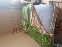 Dolly warden bed set for sale
