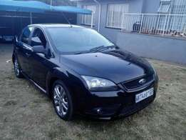 Ford focus 1.6l with extras for R62000