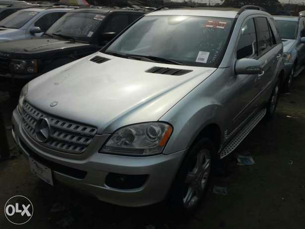 Foreign used 2007 Mercedes Benz Ml350 4matic. Direct tokunbo Apapa - image 2