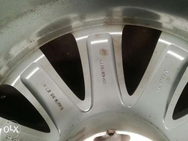 """Mercedes 18"""" Rims Made in Italy Industrial Area - image 3"""