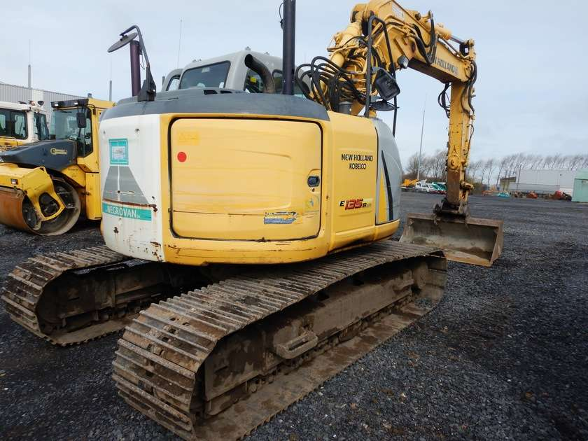 New Holland E135BSR-2 - 2009 - image 2