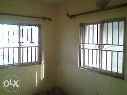 Good 2bedroom in lawanson surulere