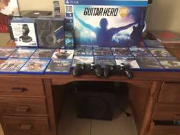 Ps4,two remotes,18 games and much more accessories