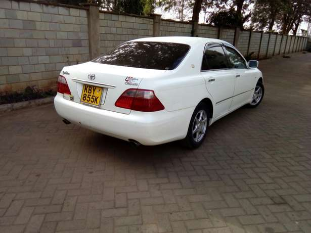 Toyota Crown 2007 Model In Very Good Condition Karen - image 4