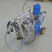 Moveable Electric Cow Milker Milking Machine For Farm Cow Milking