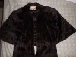 Vintage Mahogany Stole with Tails. Label.. Holland Fur & Textile.