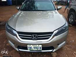 Honda 2013 Sport Extremely Clean. Hot deal!!!