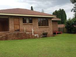 3 Bedroom house, 2 Garges, Flat, stand 1190