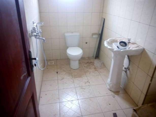Pay without regretting 2 bedroom house for rent in Kiira at 300k Kampala - image 2