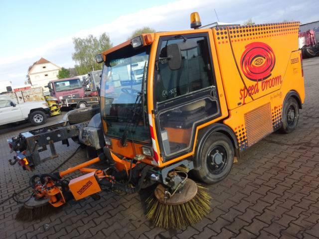 Boschung speed broom kehrmaschine road sweeper - 2001