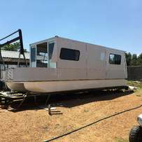 House boat 9m x 2.5 on licenced trailer priced to go