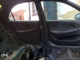 hyundai elantra J2 for spares great deals great price