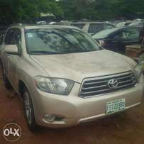 Locally Used (few month) Toyota Highlander, 2009, 3-Row Seat, LIMITED.