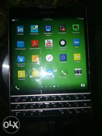 BlackBerry passport Warri - image 5