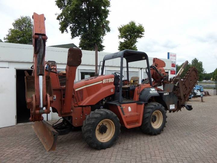 Ditch Witch RT 90 H - 2003