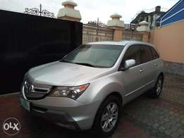 Extremely clean Acura MDX 2008 2month used
