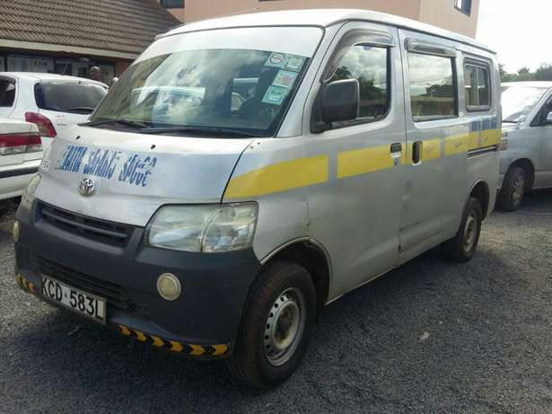 Trade-in Ok! -Toyota Townace 10 Seater Petrol 1.5litre Woodly - image 1
