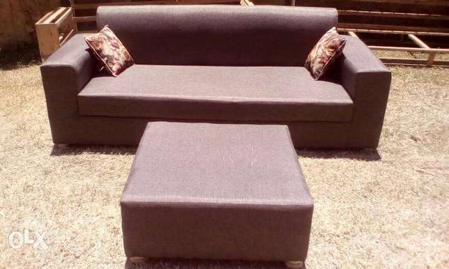 Tim Tim Box sofa/sofas/sofa Sets With Center Pouf Ugsh. 400,000/-only Kampala - image 1