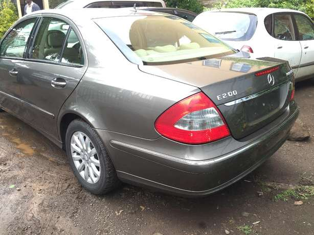 Mercedes Benz E200 Hurlingham - image 3
