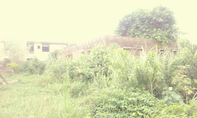 Uncompleted 4bedroom bungalow in newgarage Ibadan South West - image 3