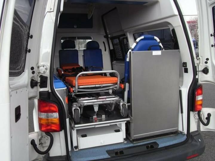 Volkswagen T5 Krankentransportwagen Kombi-Hochdach 2x vorh. - 2008 - image 15