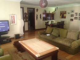 Unfurnished 3 bedroom apartment plus sq to let in Yaya Kilimani