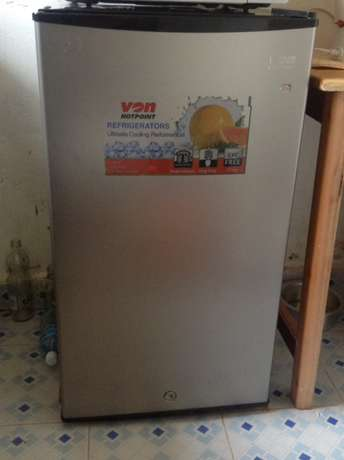 hot point fridge in good condition 6 months old plus warranty Kakamega Town - image 7
