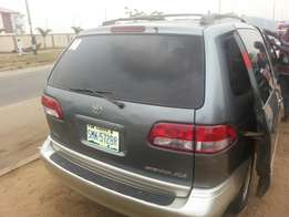 Perfectly used toyota sienna 2002 xle buy n drive tincan cleared