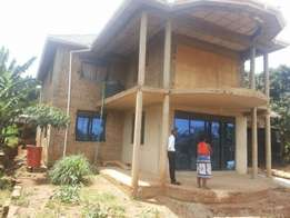 Shell house 6bedroom for sale on Entebbe road bwebajja town