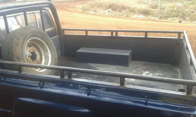 Toyota hilux local Embu Town - image 5