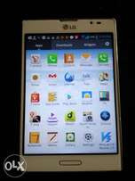 LG F200S phone, 8MP camera,with charge