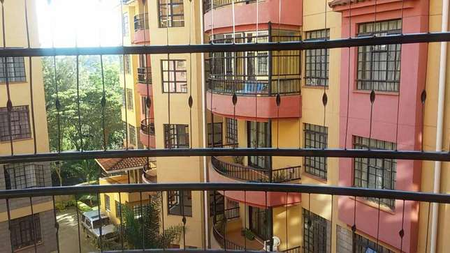 Nice bright 3 Bed +3 bath Apartment with spacious DSQ, 2 parking slots Kileleshwa - image 4