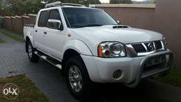 2015 Nissan Hardbody 2.5TD double cab, limited silver Edition