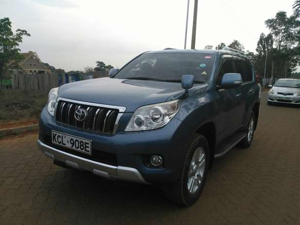 Toyota prado TZ 2011 with sunroof Ridgeways - image 3
