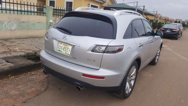 Less than a year registered infinity fx35 2006 Alimosho - image 2