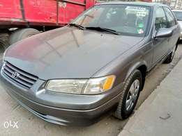 Fresh Tokunbo 1999 Toyota Camry for quick sale.