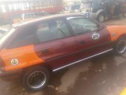 4sale of short boot ople astre car