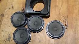 4 stock polo vivo speakers and 2 door brackets