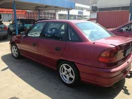 Very clean Opel Astra 1.8l for R23000