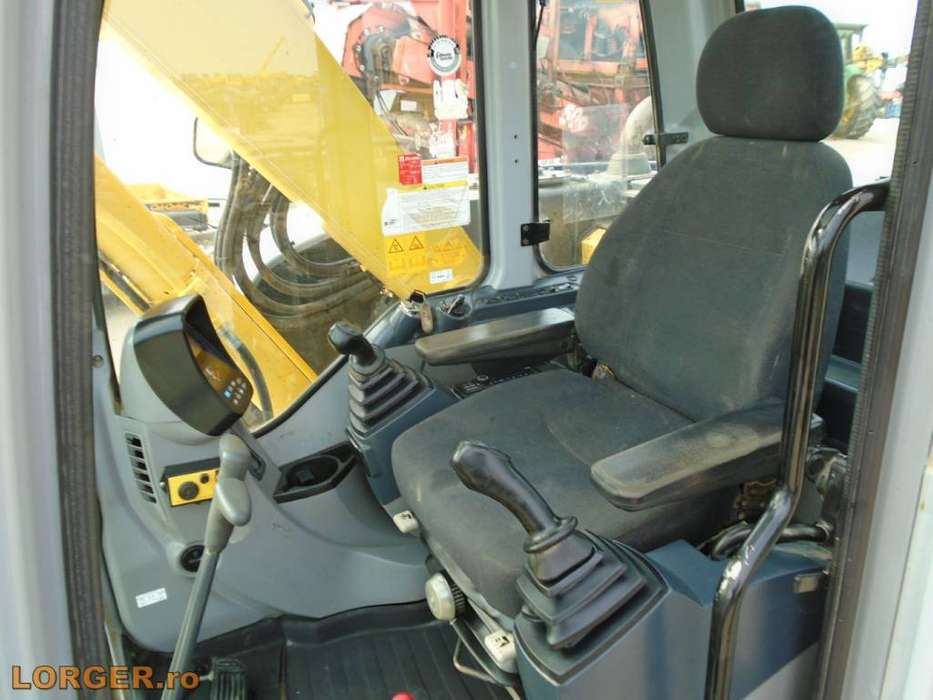 New Holland E 70 B Sr - 2008 - image 7