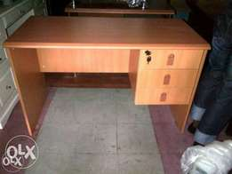 Durable & Corporate 4ft Office Table